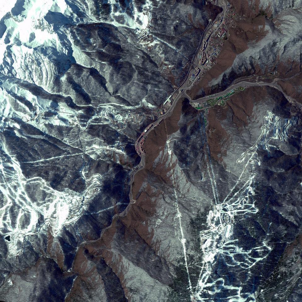 Gambar 15. Citra Satelit Yang Menunjukkan Salah Satu Tempat Yang Akan Dijadikan Salah Satu Venue Olimpiade Musim Dingin Tahun 2014 Mendatang di Sochi – Rusia Tanggal Perekaman 17 Maret 2013