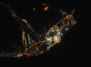 Foto Kenampakan Arena Sochi Olympic Park Pada Malam Hari Yang Diambil Oleh Para Astronot & Kosmonot Yang Sedang Berada Di Luat Angkasa - Credit : NASA